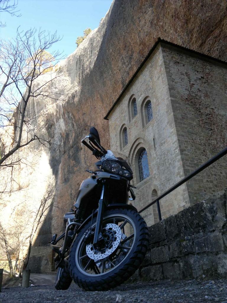 El antiguo monasterio de San juan de la Peña